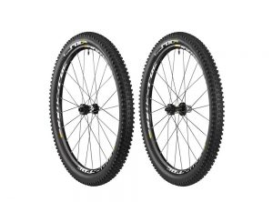 Mavic Crossroc XL WTS 26″ UST Wheelset With Tires
